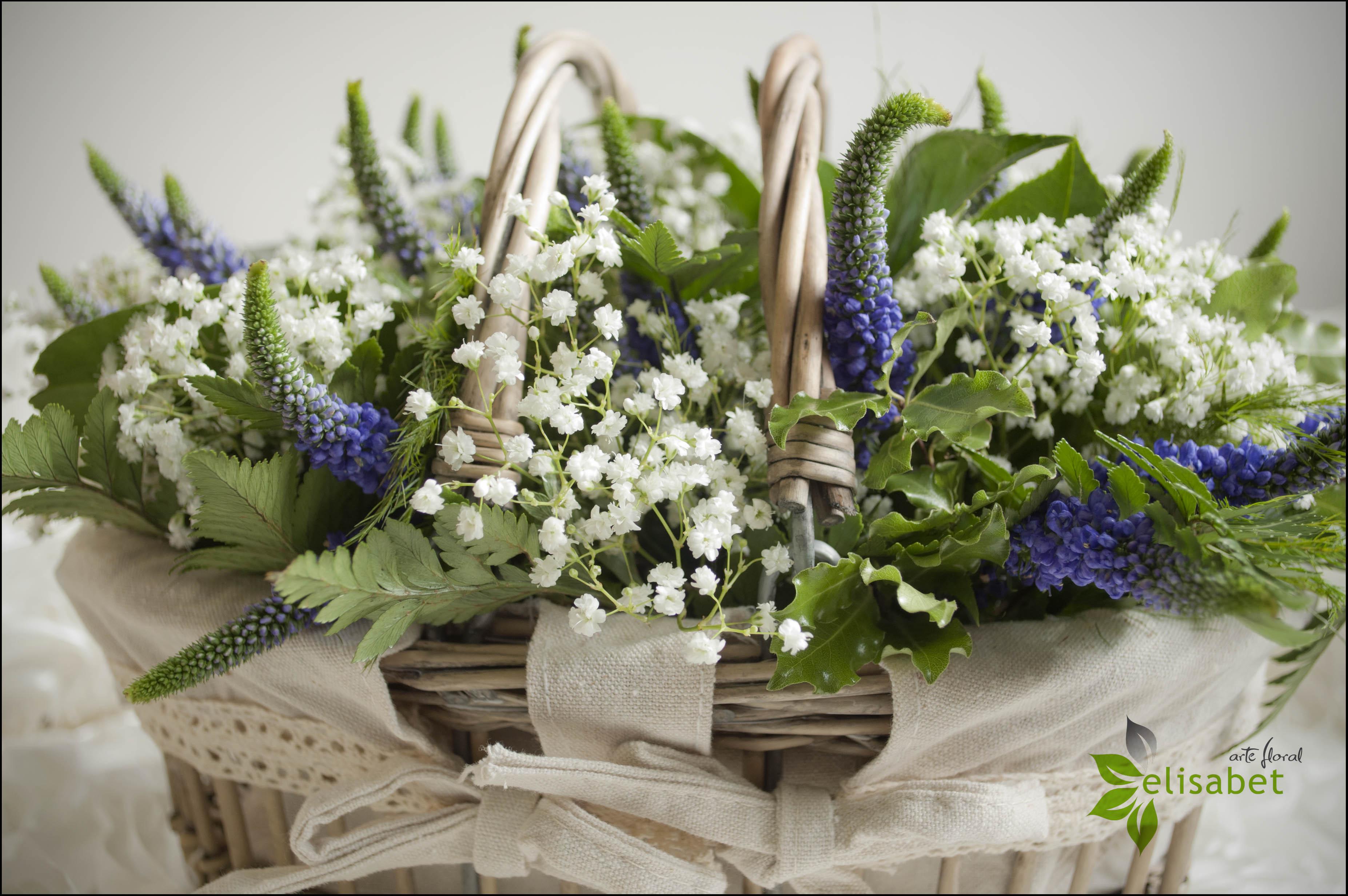 Cesta de flores silvestres detalle elisabet arte floral blog - Decoracion de cestas ...