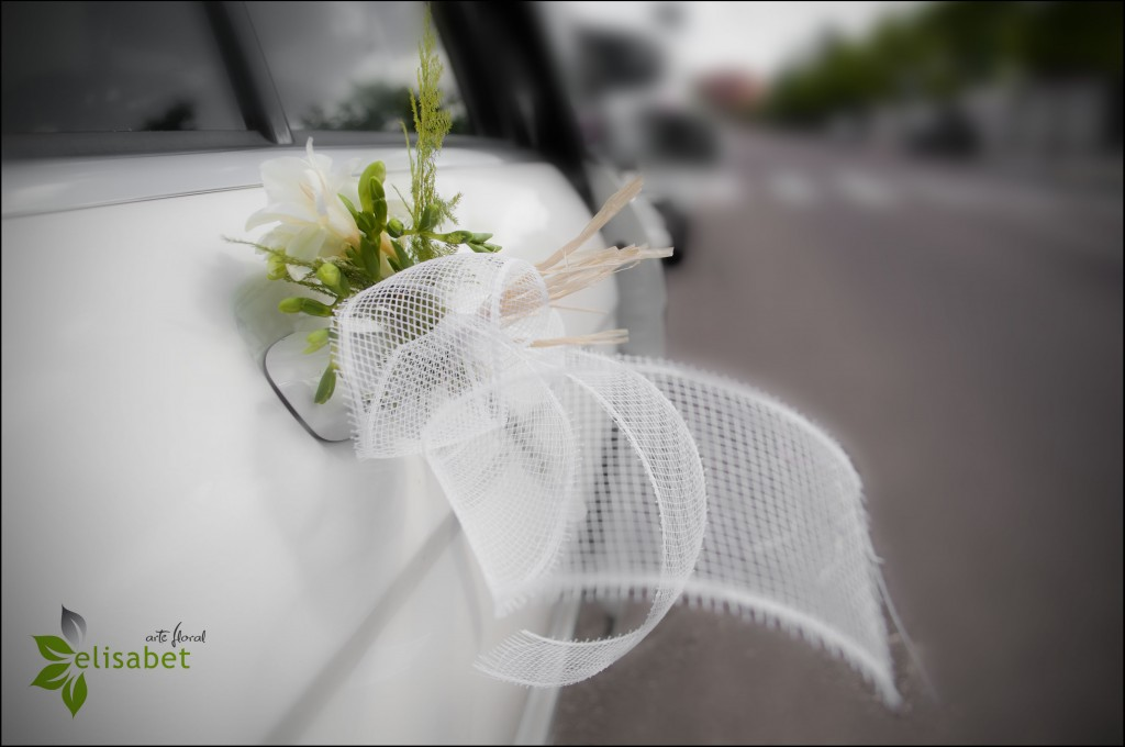 Decoraci n flores boda rom ntica elisabet arte floral blog - Decoracion coche novia ...