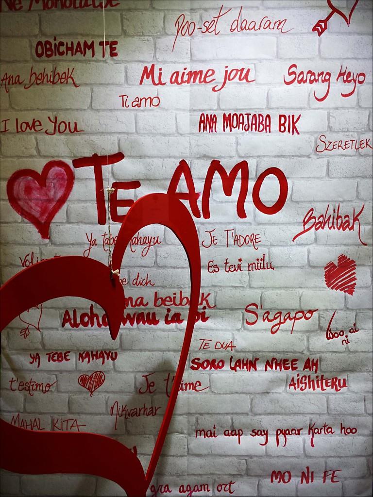 Muro Te amo. Escaparate San Valentin.