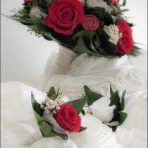 Ramo de novia y prendidos