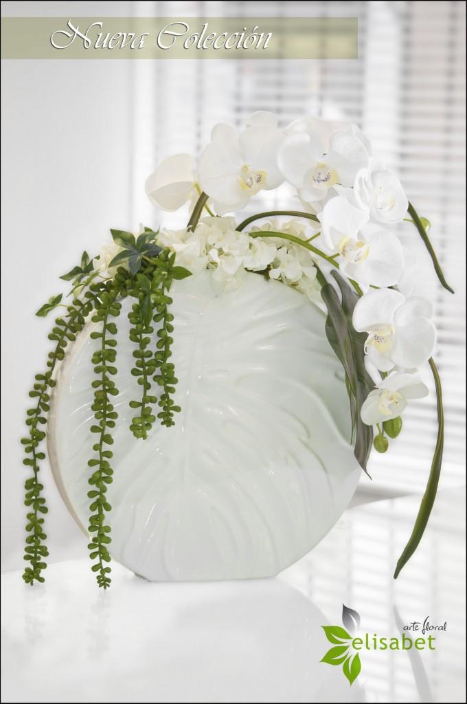 Orquidea blanca en base de porcelana elisabet arte floral nueva colección