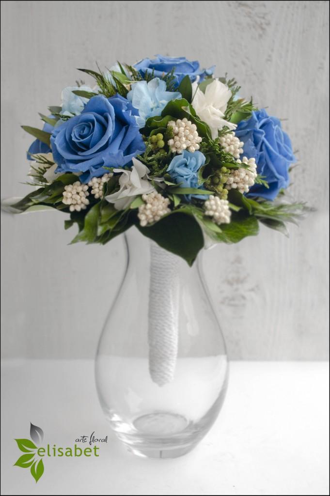 Ramo de novia eterno rosas azules Elisabet arte nupcial bodas