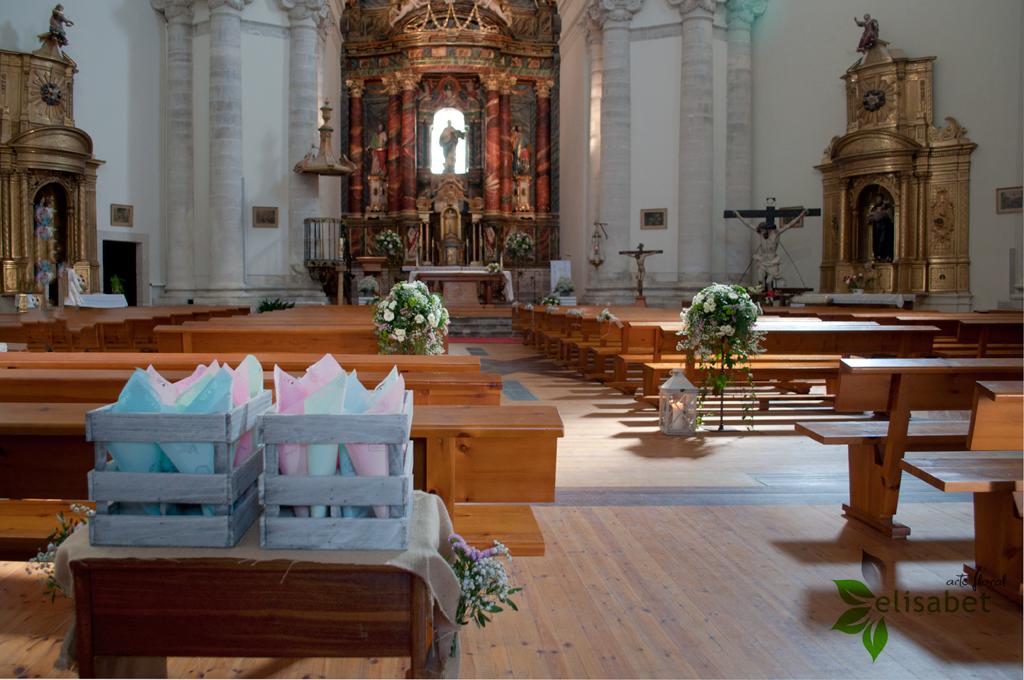 Decoraciones-para-bodas-Elisabet-arte-floral-Iglesia-de-Valoria-la-buena-004