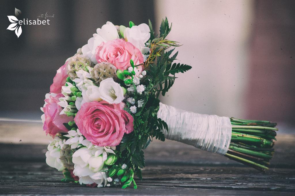 Ramo-de-novia-Elisabet-arte-floral-bodas-rosas-rosas